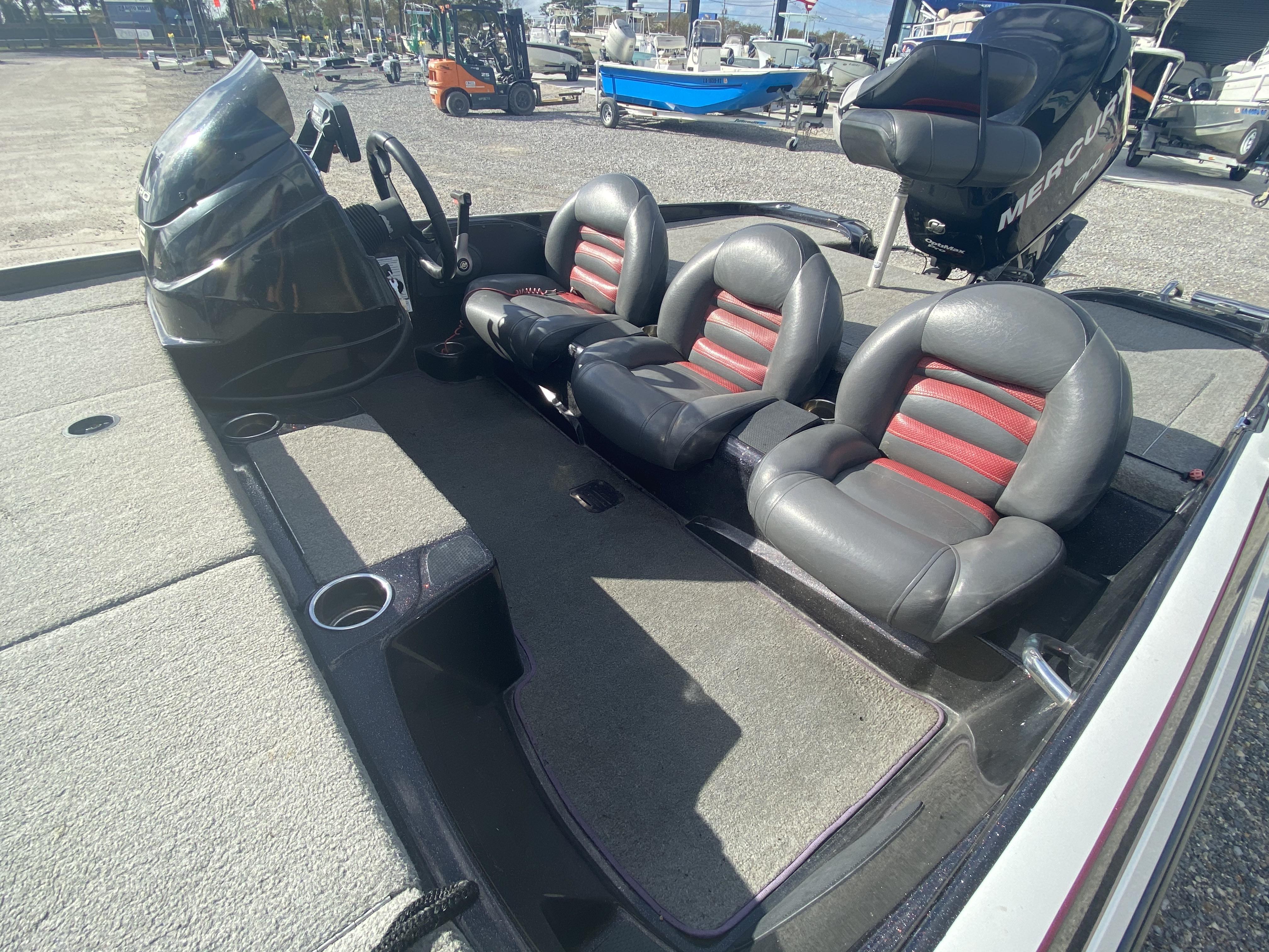 2011 Nitro boat for sale, model of the boat is Z6 & Image # 5 of 18