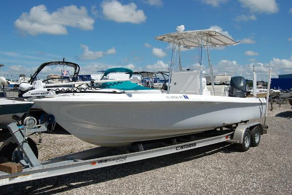 2013 Contender boat for sale, model of the boat is Bay 25 & Image # 1 of 12