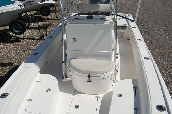 2013 Contender boat for sale, model of the boat is Bay 25 & Image # 4 of 12