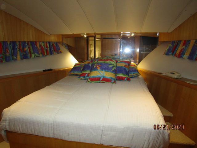 54' Ocean Alexander master stateroom