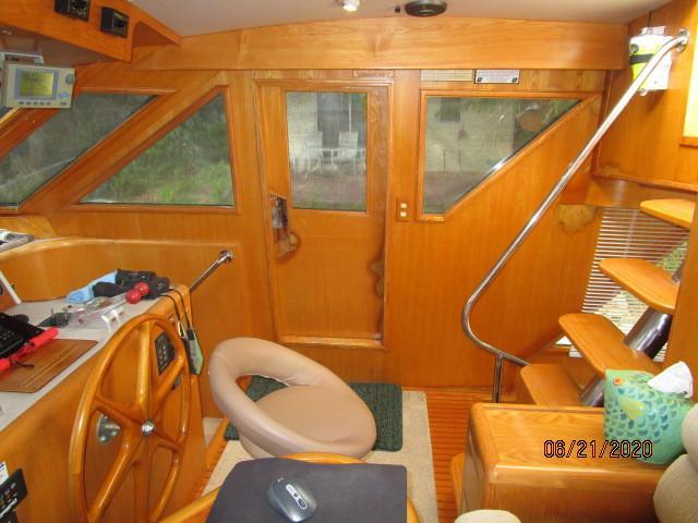 54' Ocean Alexander pilothouse starboard