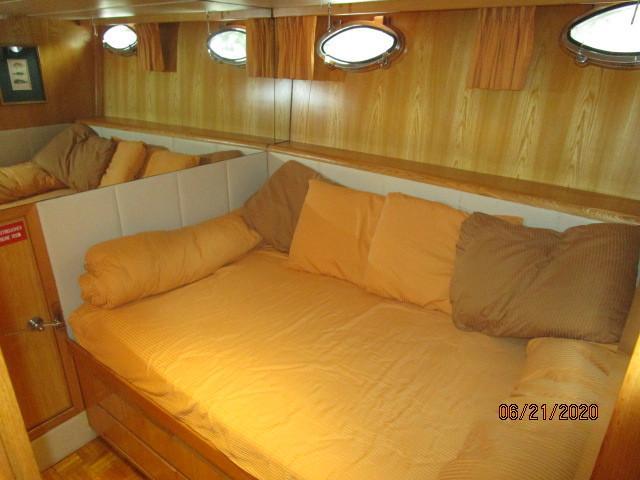 54' Ocean Alexander port guest stateroom