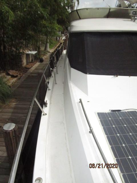 54' Ocean Alexander starboard side deck2