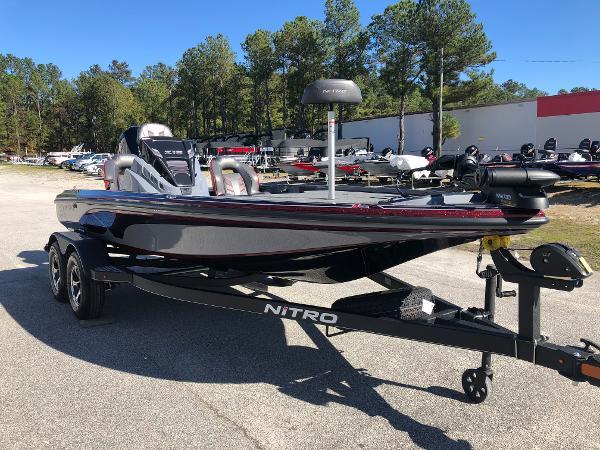 2021 Nitro boat for sale, model of the boat is Z18 & Image # 5 of 31
