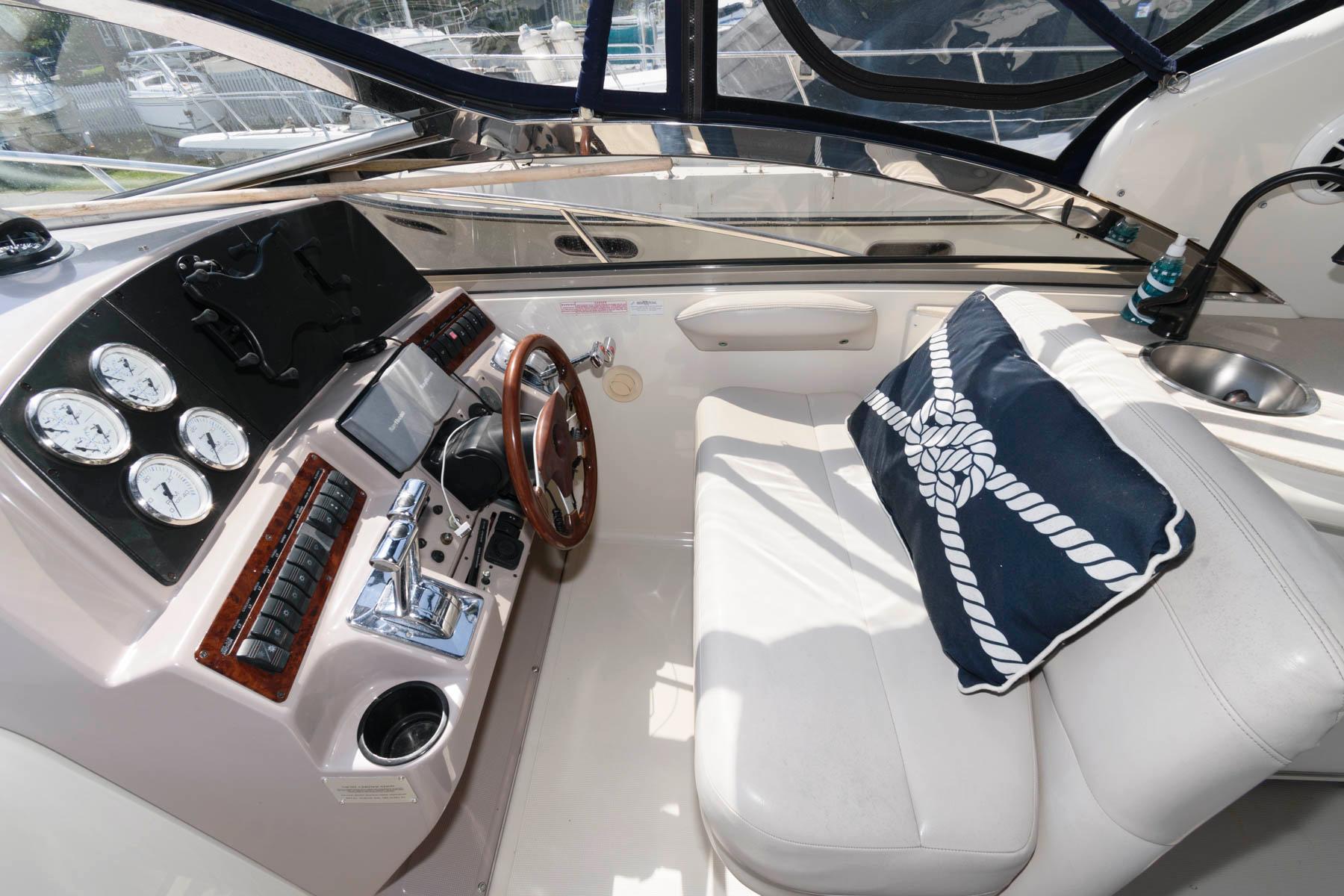 M 6082 JP Knot 10 Yacht Sales