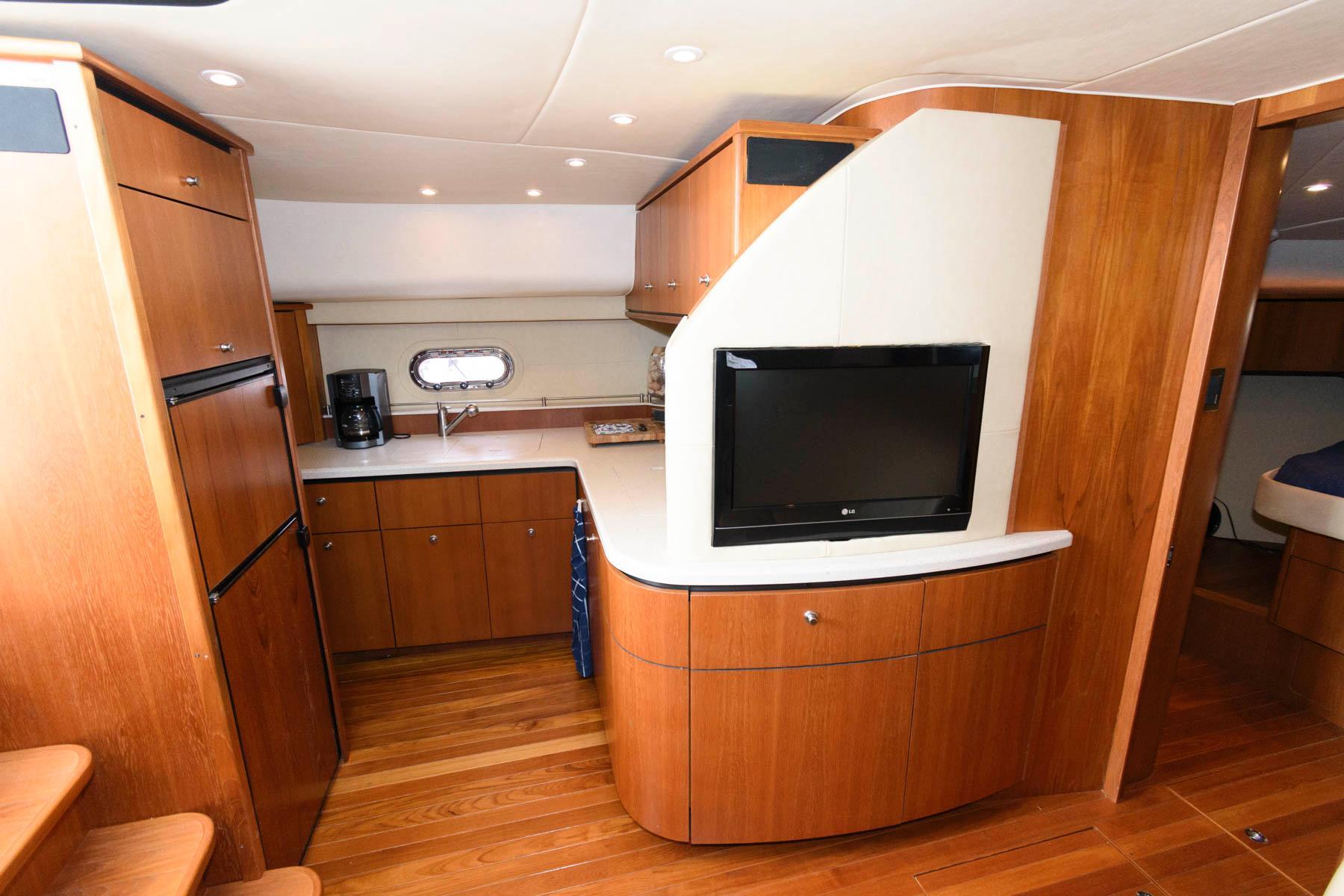 M 6498 EF Knot 10 Yacht Sales