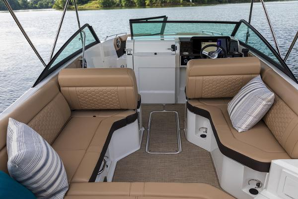 2021 Sea Ray boat for sale, model of the boat is SDX 250 & Image # 5 of 30