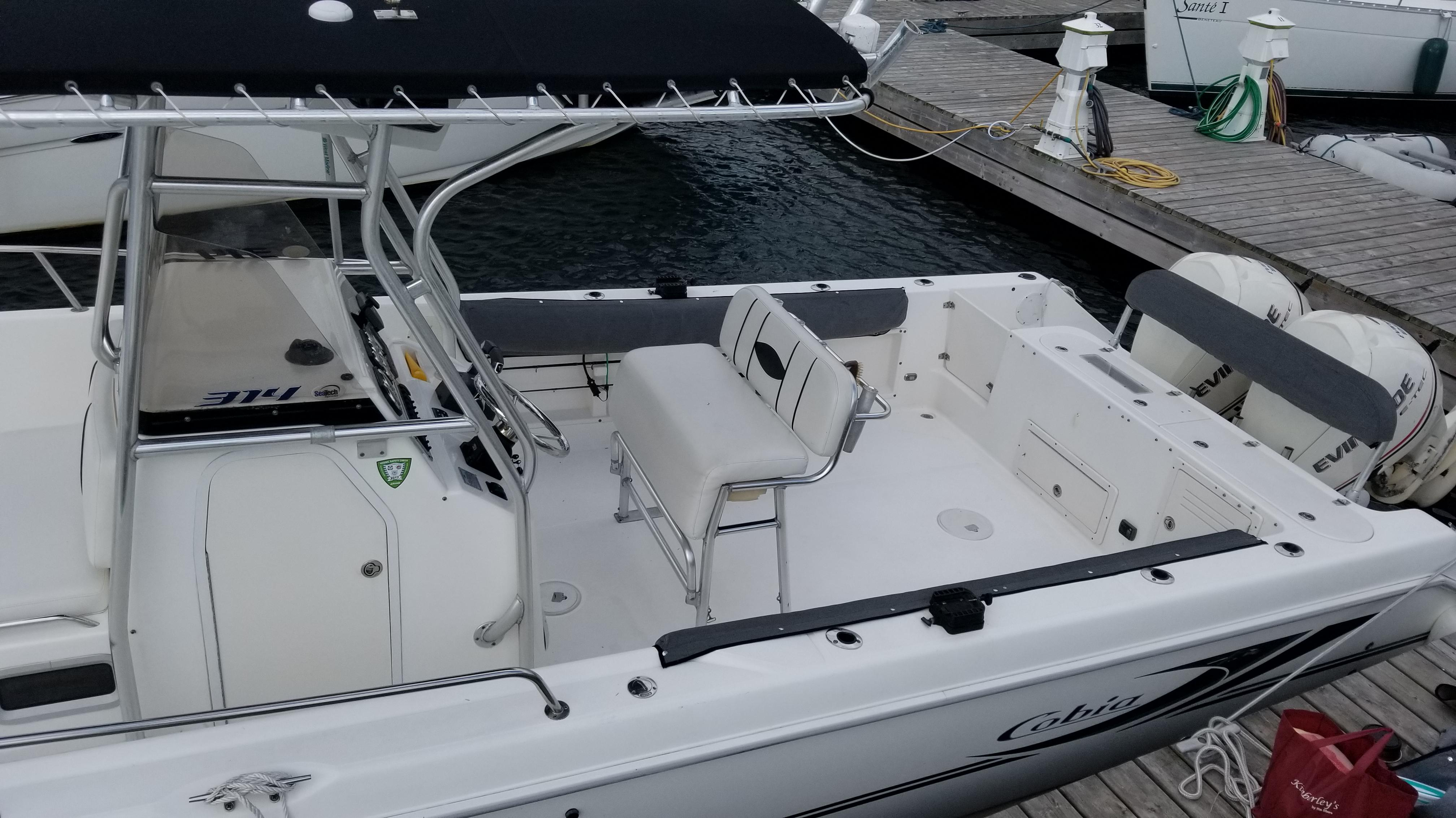 F 5876 SK Knot 10 Yacht Sales