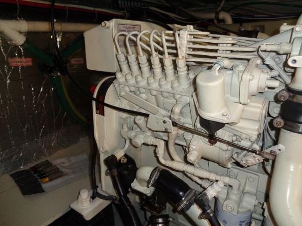 Carver 450 Voyager Pilothouse - Photo: #78