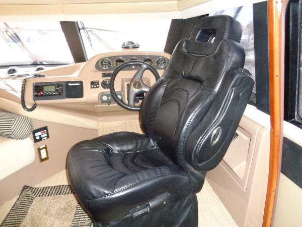 Carver 450 Voyager Pilothouse - Photo: #25