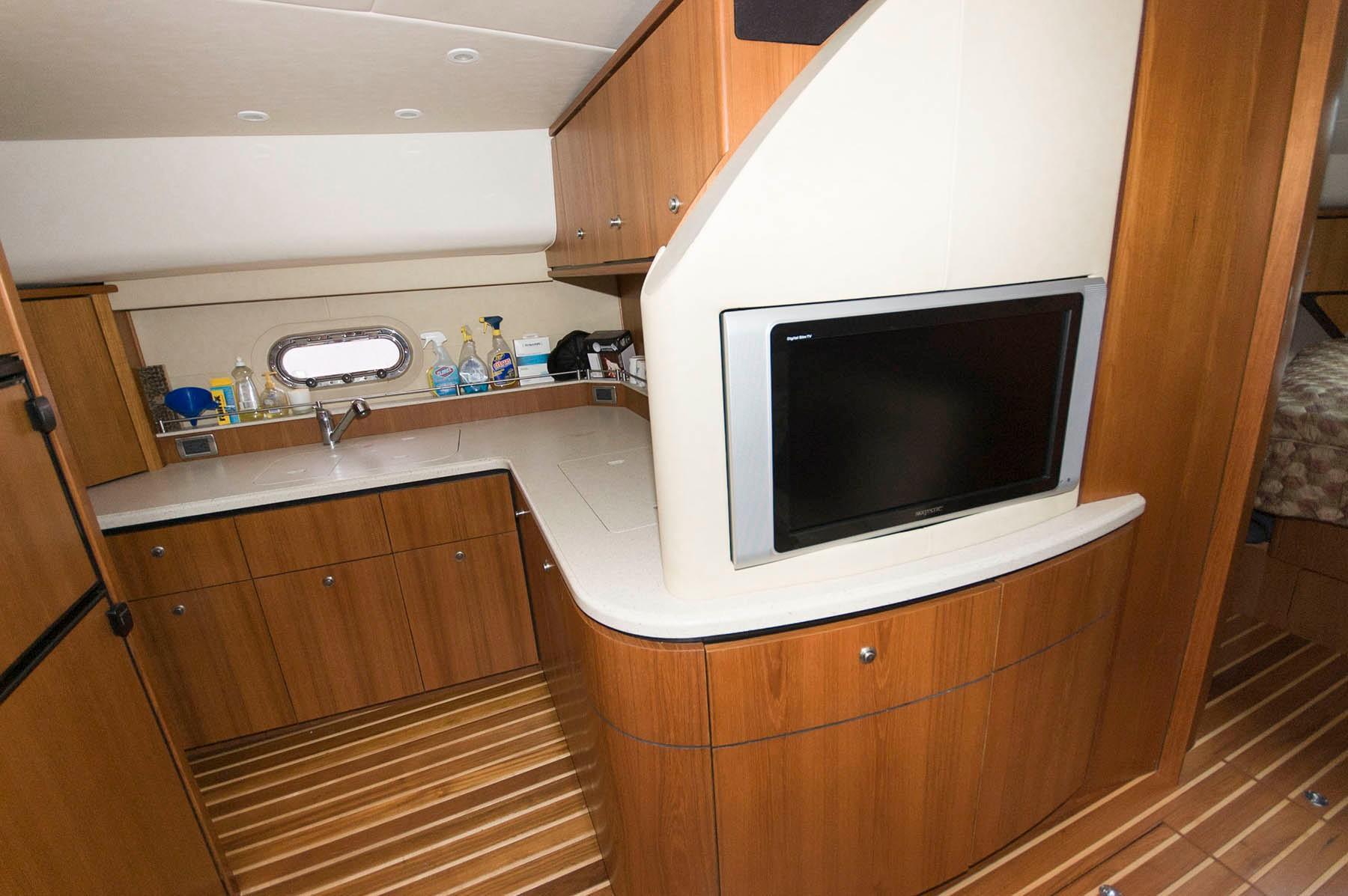 M 5209 WT Knot 10 Yacht Sales