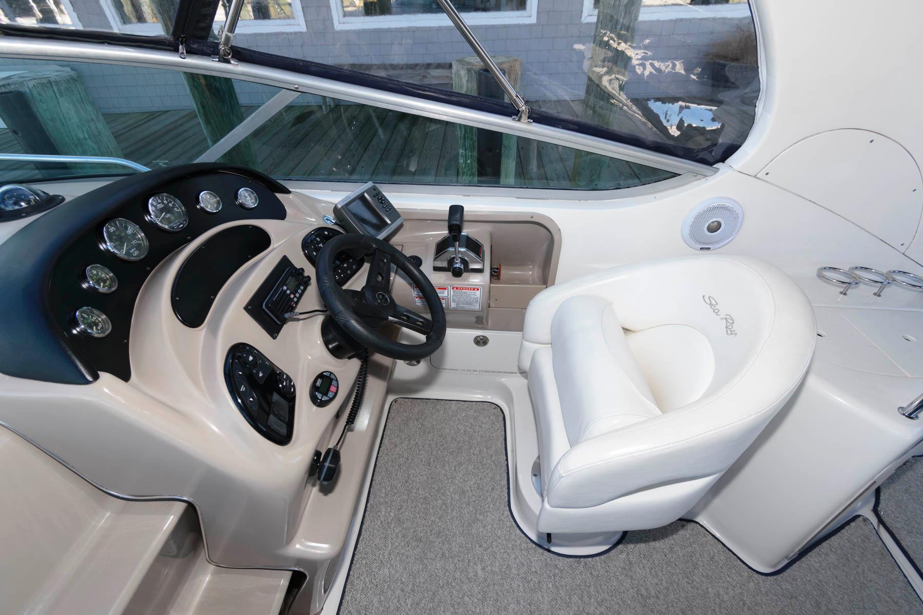 M 5804 TW Knot 10 Yacht Sales