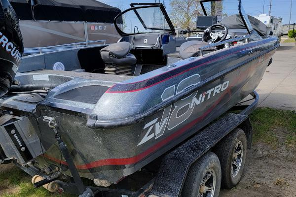 2016 Nitro boat for sale, model of the boat is ZV18 & Image # 4 of 14