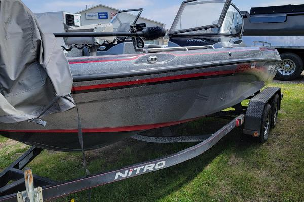 2016 Nitro boat for sale, model of the boat is ZV18 & Image # 1 of 14