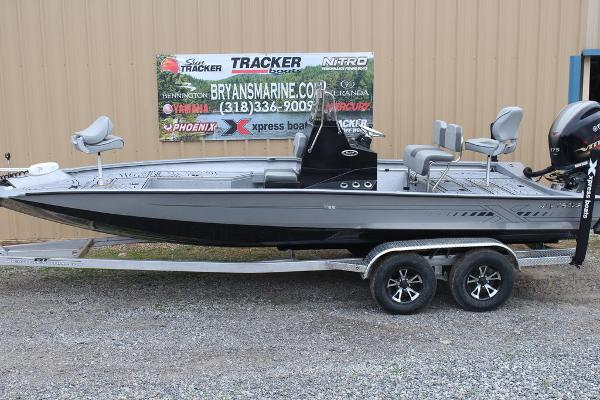 2021 Xpress boat for sale, model of the boat is H22B & Image # 1 of 12