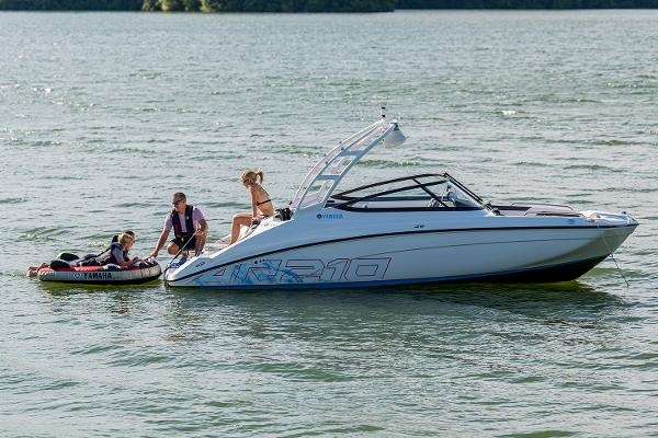2022 Yamaha boat for sale, model of the boat is AR210 & Image # 9 of 10