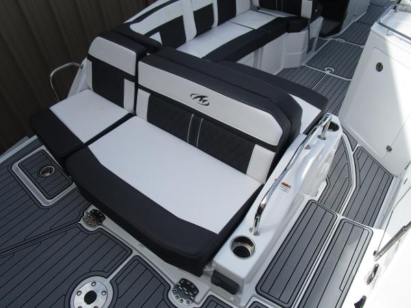 2021 Monterey boat for sale, model of the boat is M6 & Image # 5 of 37