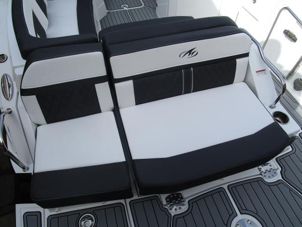 2021 Monterey boat for sale, model of the boat is M6 & Image # 6 of 37