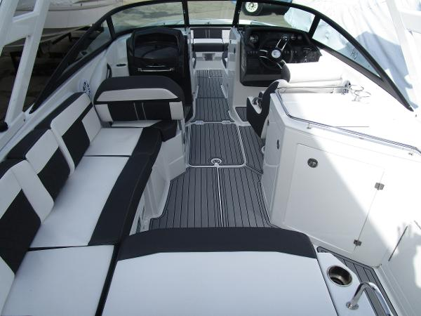 2021 Monterey boat for sale, model of the boat is M6 & Image # 8 of 37