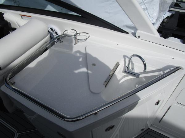 2021 Monterey boat for sale, model of the boat is M6 & Image # 13 of 37