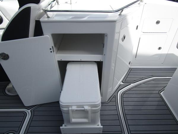 2021 Monterey boat for sale, model of the boat is M6 & Image # 14 of 37