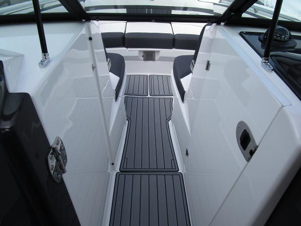 2021 Monterey boat for sale, model of the boat is M6 & Image # 23 of 37
