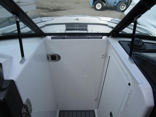 2021 Monterey boat for sale, model of the boat is M6 & Image # 24 of 37