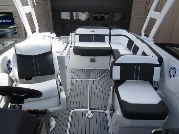 2021 Monterey boat for sale, model of the boat is M6 & Image # 32 of 37