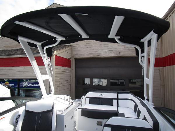 2021 Monterey boat for sale, model of the boat is M6 & Image # 33 of 37
