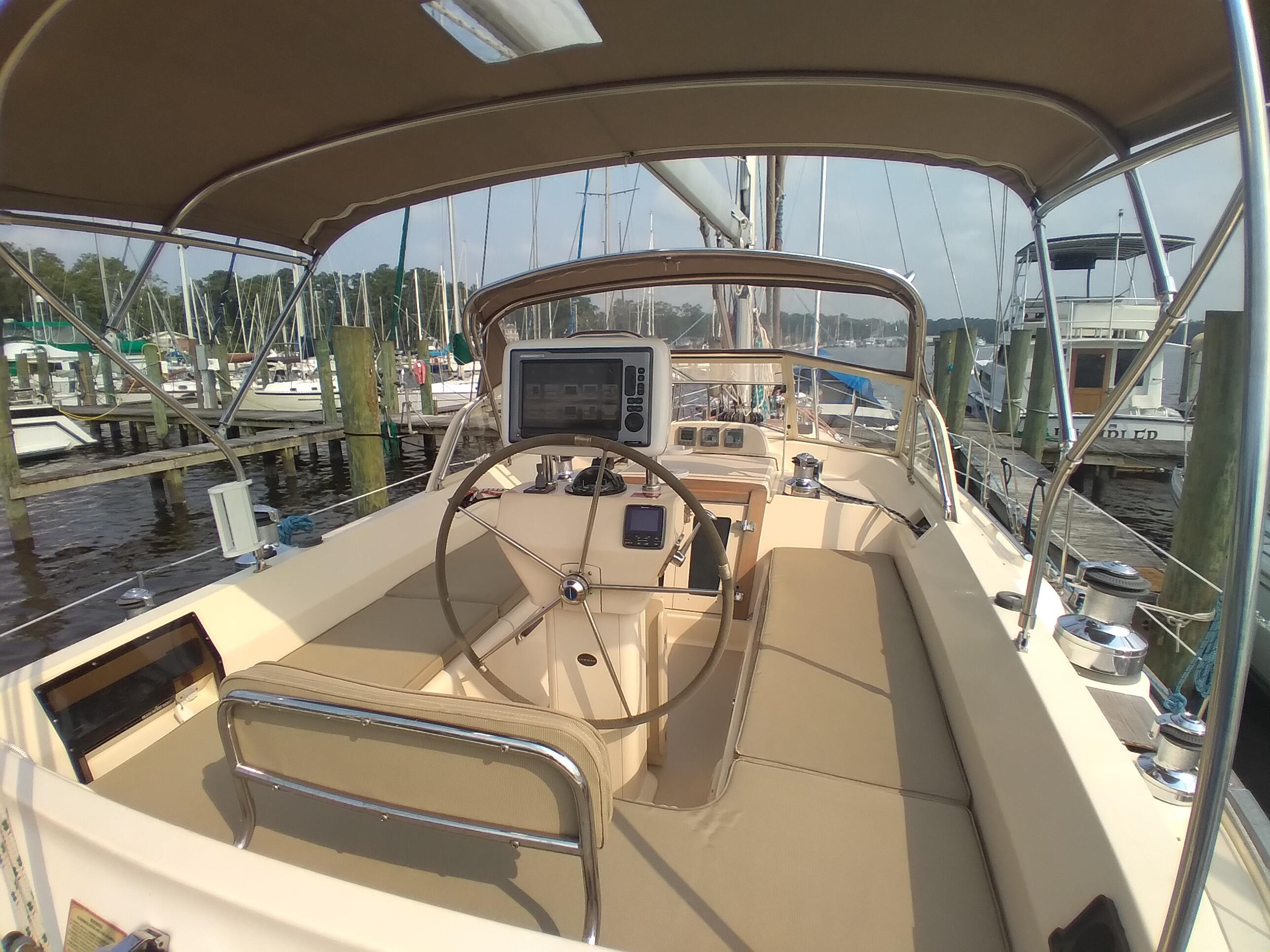 NC 6329 SK Knot 10 Yacht Sales