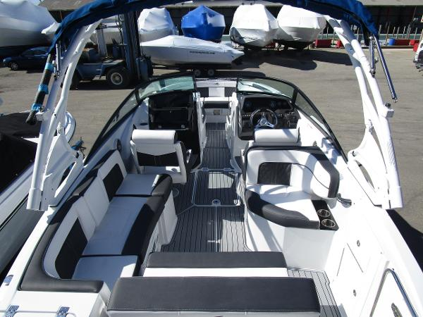 2021 Monterey boat for sale, model of the boat is M65 & Image # 9 of 21