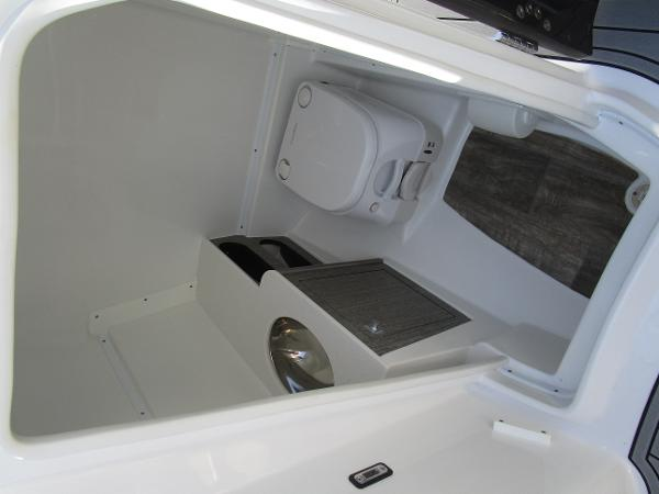 2021 Monterey boat for sale, model of the boat is M65 & Image # 16 of 21