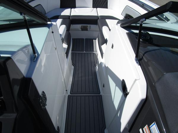 2021 Monterey boat for sale, model of the boat is M65 & Image # 17 of 21