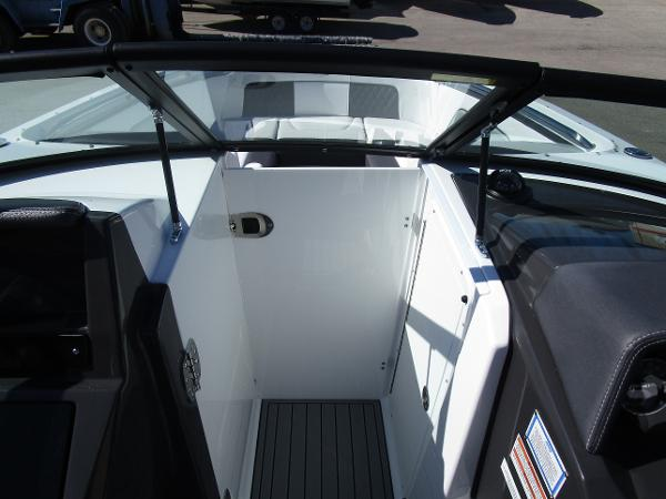 2021 Monterey boat for sale, model of the boat is M65 & Image # 18 of 21