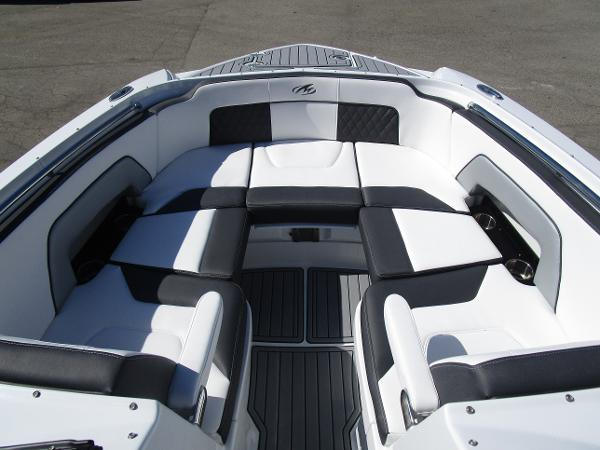 2021 Monterey boat for sale, model of the boat is M65 & Image # 19 of 21