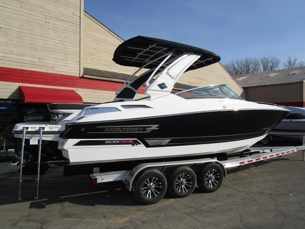 2021 Monterey boat for sale, model of the boat is 298SS & Image # 3 of 41