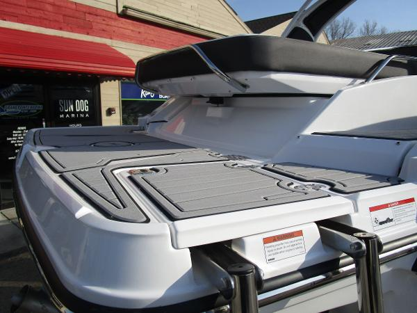 2021 Monterey boat for sale, model of the boat is 298SS & Image # 6 of 41
