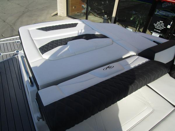 2021 Monterey boat for sale, model of the boat is 298SS & Image # 12 of 41