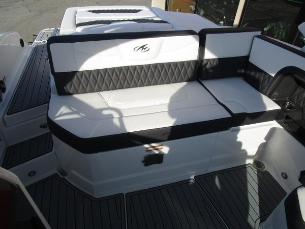 2021 Monterey boat for sale, model of the boat is 298SS & Image # 13 of 41