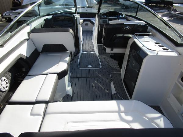 2021 Monterey boat for sale, model of the boat is 298SS & Image # 15 of 41