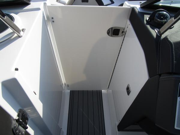 2021 Monterey boat for sale, model of the boat is 298SS & Image # 30 of 41