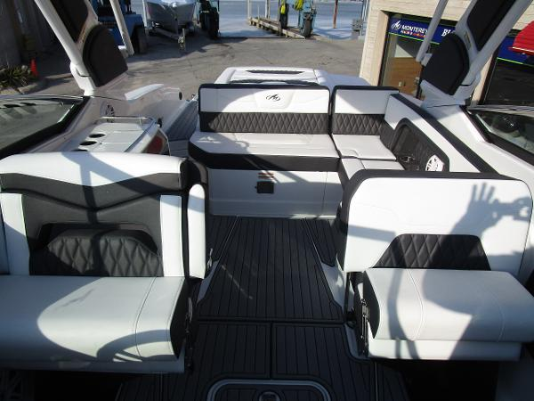 2021 Monterey boat for sale, model of the boat is 298SS & Image # 37 of 41