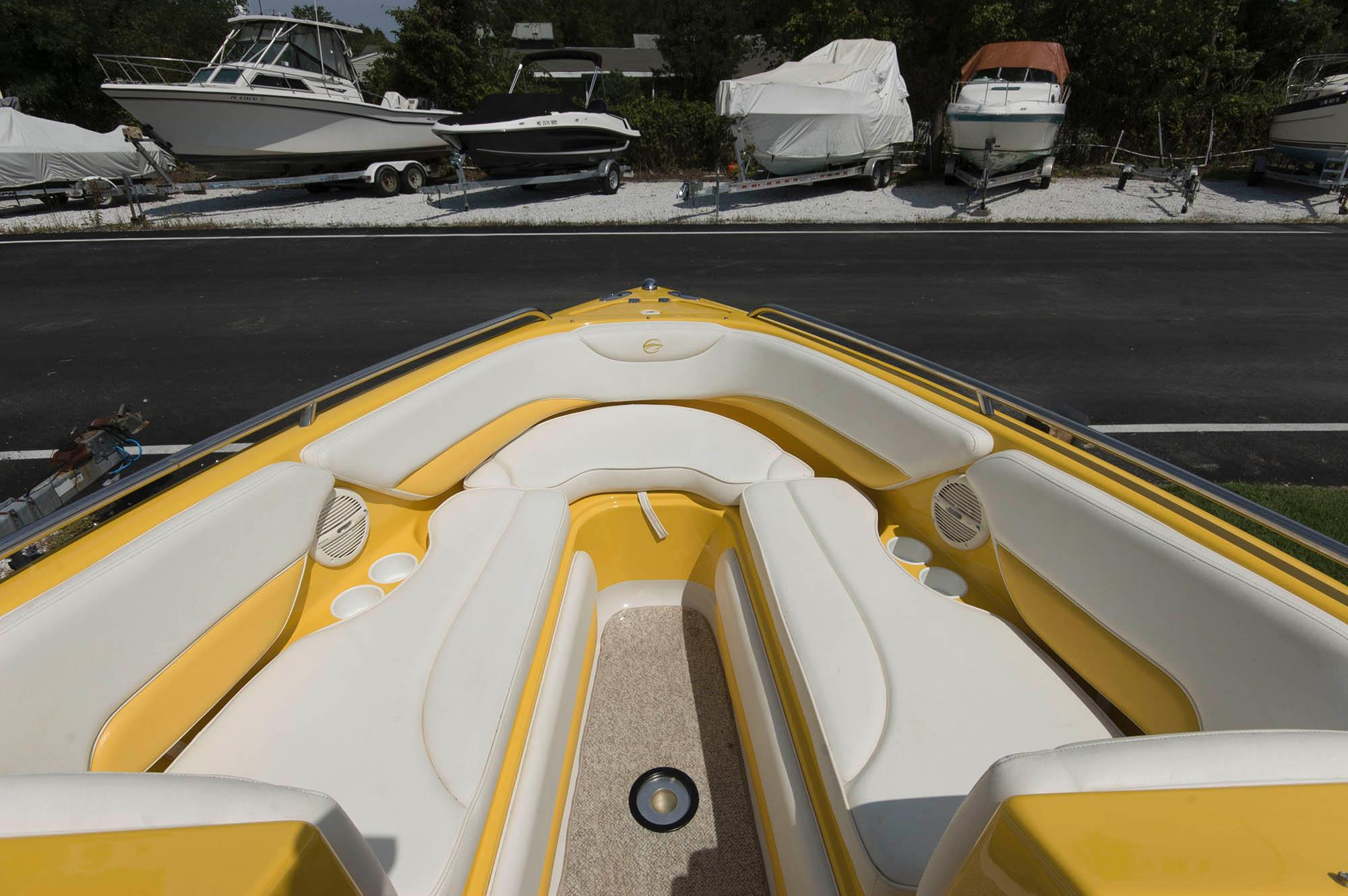 M 5550 KB Knot 10 Yacht Sales