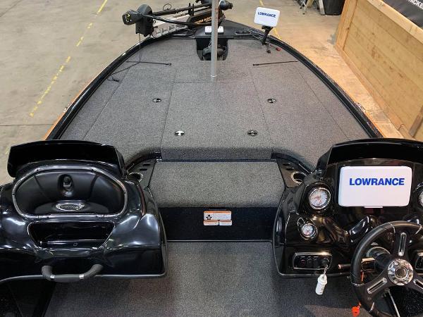 2018 Nitro boat for sale, model of the boat is Z18 & Image # 7 of 19