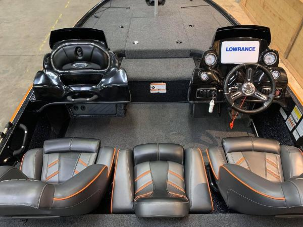 2018 Nitro boat for sale, model of the boat is Z18 & Image # 12 of 19