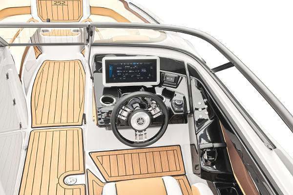 2022 Yamaha boat for sale, model of the boat is 252SD & Image # 3 of 8