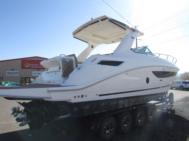 2017 Sea Ray boat for sale, model of the boat is 350 Sundancer & Image # 13 of 50