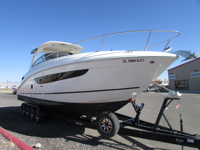 2017 Sea Ray boat for sale, model of the boat is 350 Sundancer & Image # 2 of 50