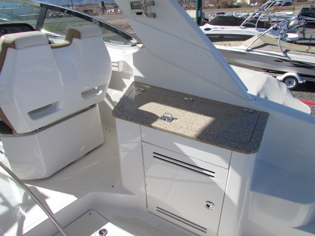 2017 Sea Ray boat for sale, model of the boat is 350 Sundancer & Image # 34 of 50