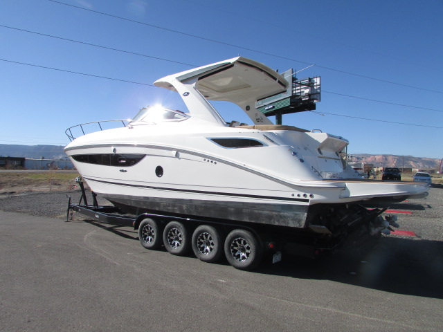 2017 Sea Ray boat for sale, model of the boat is 350 Sundancer & Image # 37 of 50
